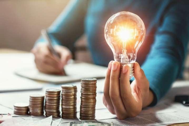 Цена на электроэнергию в Украине снизилась