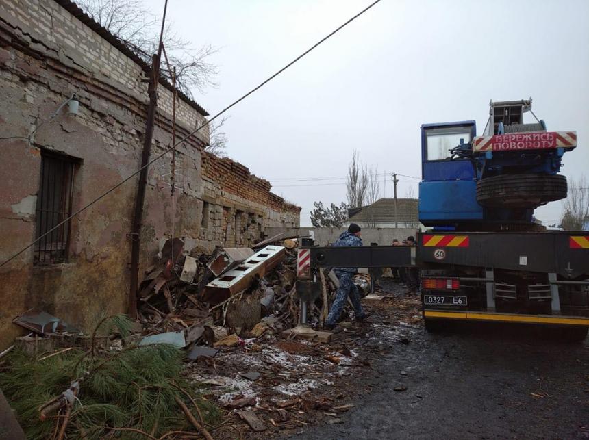 В школе в Николаевской области произошел взрыв: под завалами остался человек