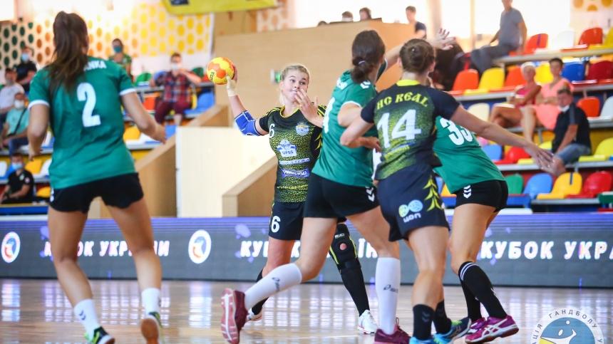 Николаевские гандболистки дважды победили херсонскую «Днепрянку»
