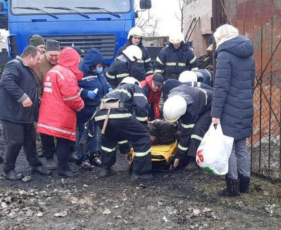Взрыв в школе Николаевской области: мужчину удалось вытащить из-под завала
