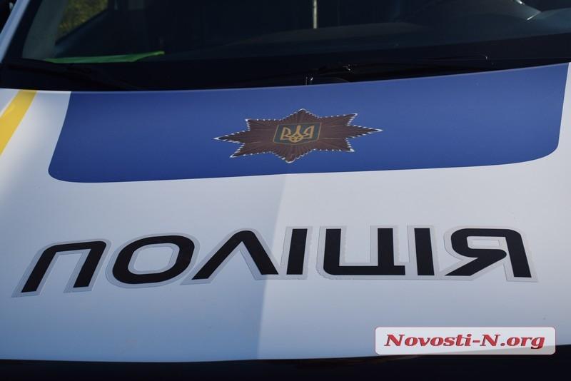 Двое жителей Снигиревки избили полицейского и разбили его автомобиль