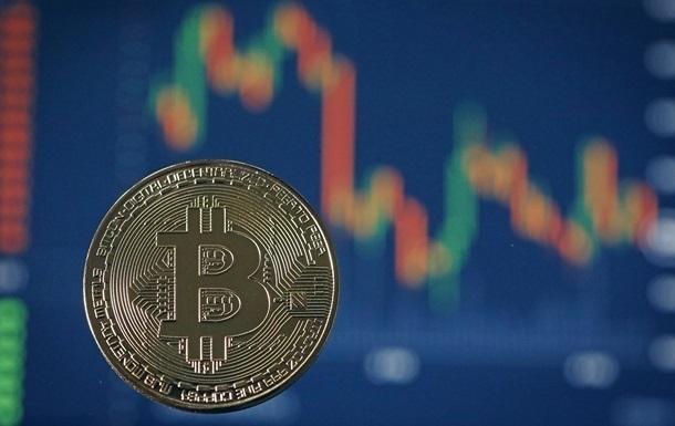 Курс биткоина обвалился на 11%