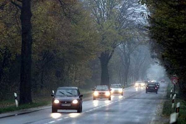 Украинские водители с завтрашнего дня смогут ездить за городом с выключенными фарами