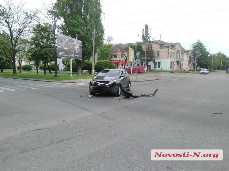 В Николаеве столкнулись маршрутка и «Киа»