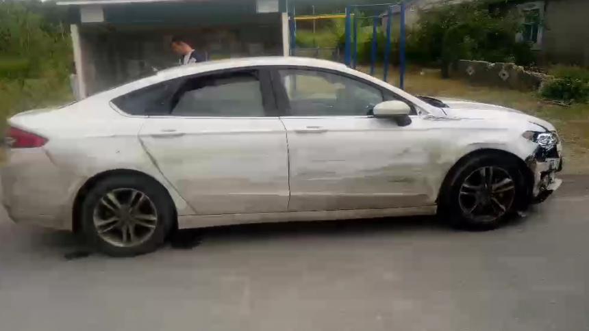 Появились видео «Форда», разбившего в Николаеве около 10 автомобилей. ВИДЕО