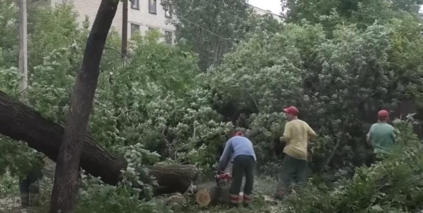 Из-за непогоды в Украине погибли два человека, еще семеро попали в больницы