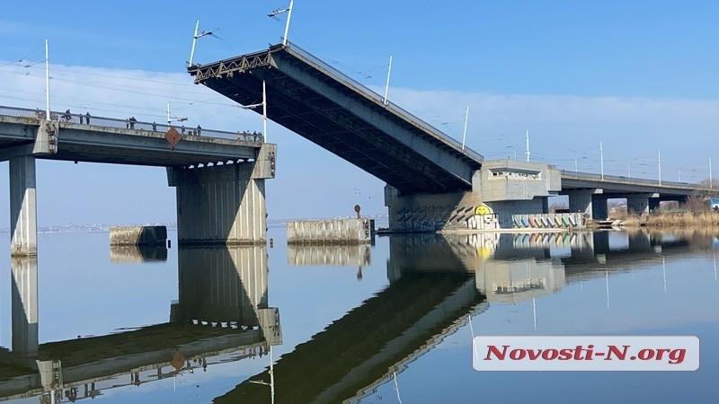 В Николаеве отменили развод мостов