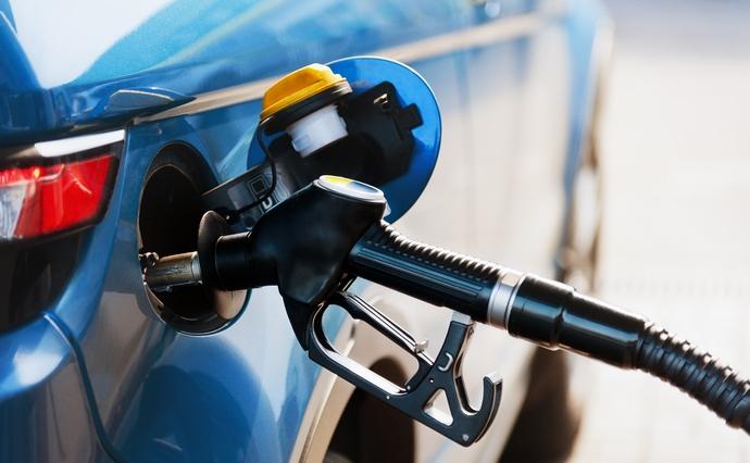 Бензины А-92, А-95 и дизельное топливо незначительно подорожали за неделю