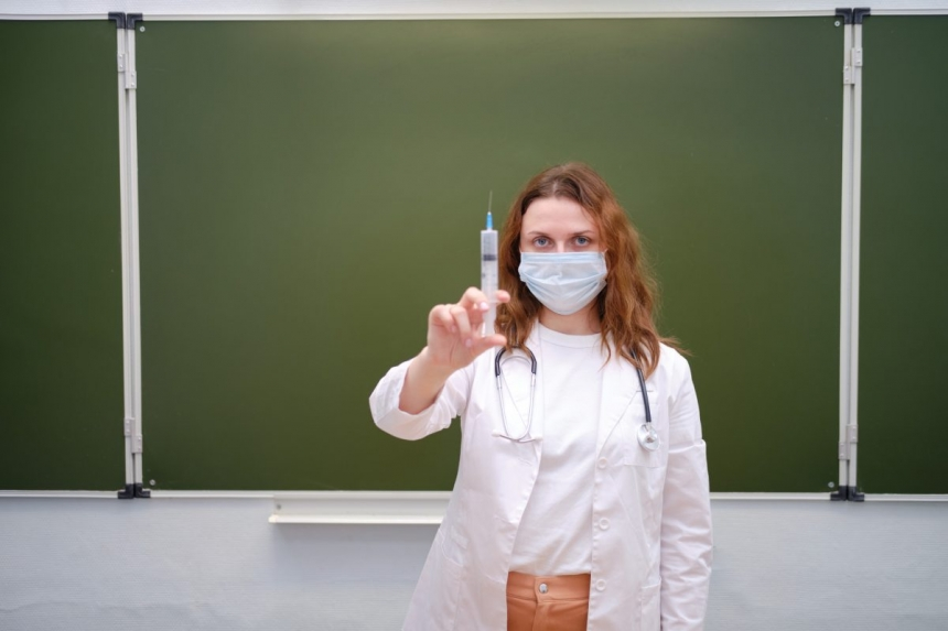 В МОЗ заявили о контроле вакцинации в школах
