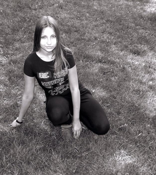 Молодая школьница сосет фалос 0 фотография