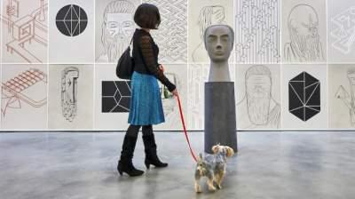 В Нью-Йорке открылась необычная галерея для собак. Фото