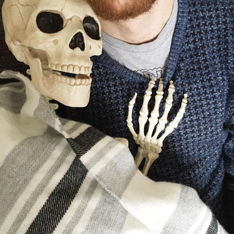 селекцией смешные картинки с скелетами очевидно, что