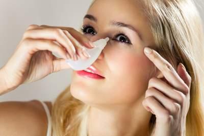 Медики назвали лучшее средство от сухости глаз