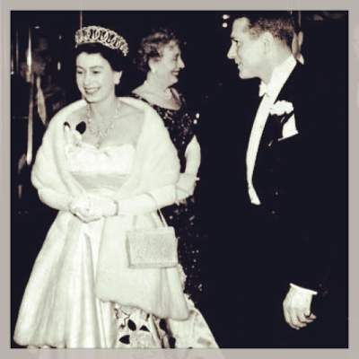 Снимки из Instagram королевы Великобритании. Фото
