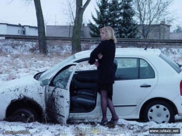 Девушка за рулем: курьезные ситуации на дороге (ФОТО)