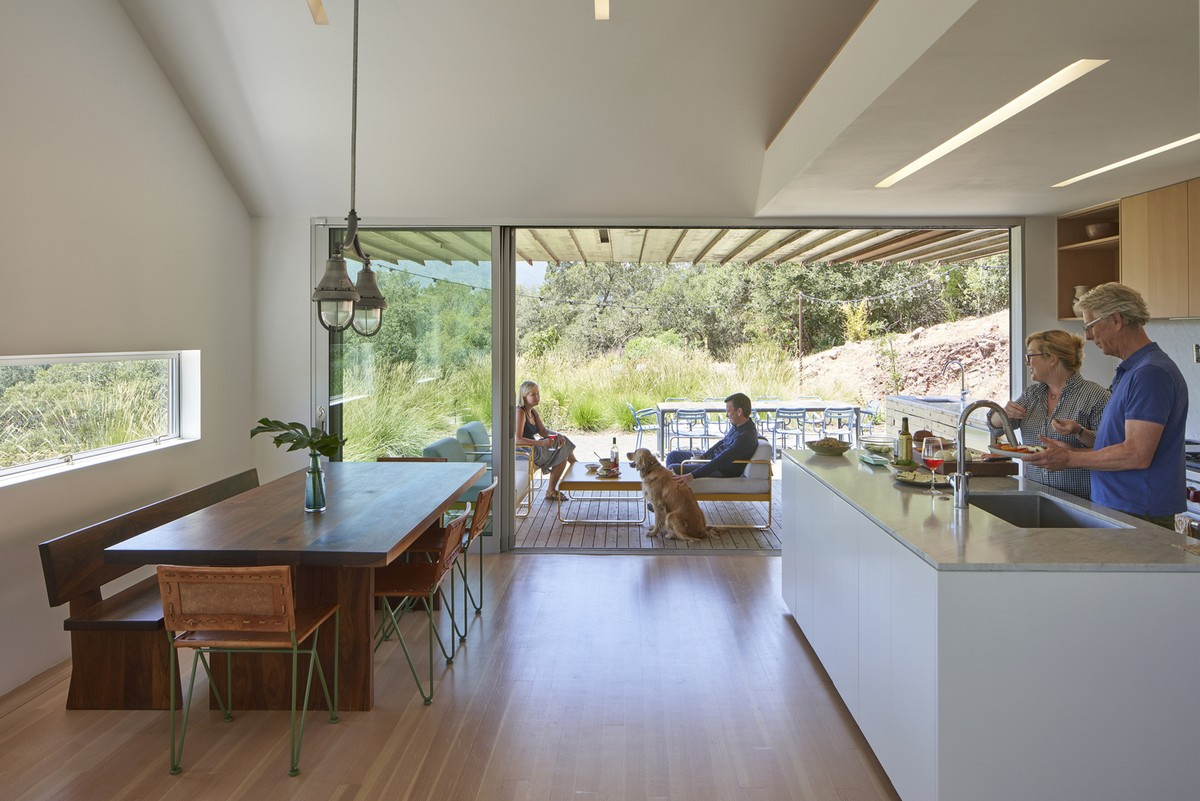 Тройной дом-сарай для повара на склоне в США