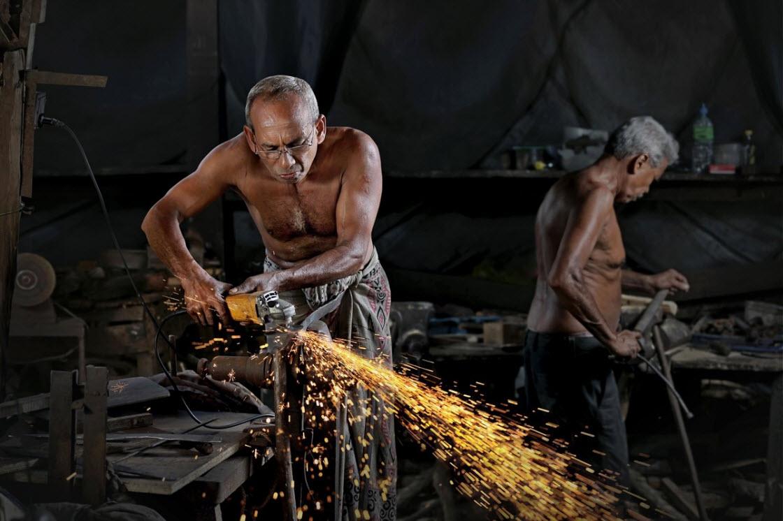 Потрясающие снимки, показывающие людей на рабочих местах в разных странах мира