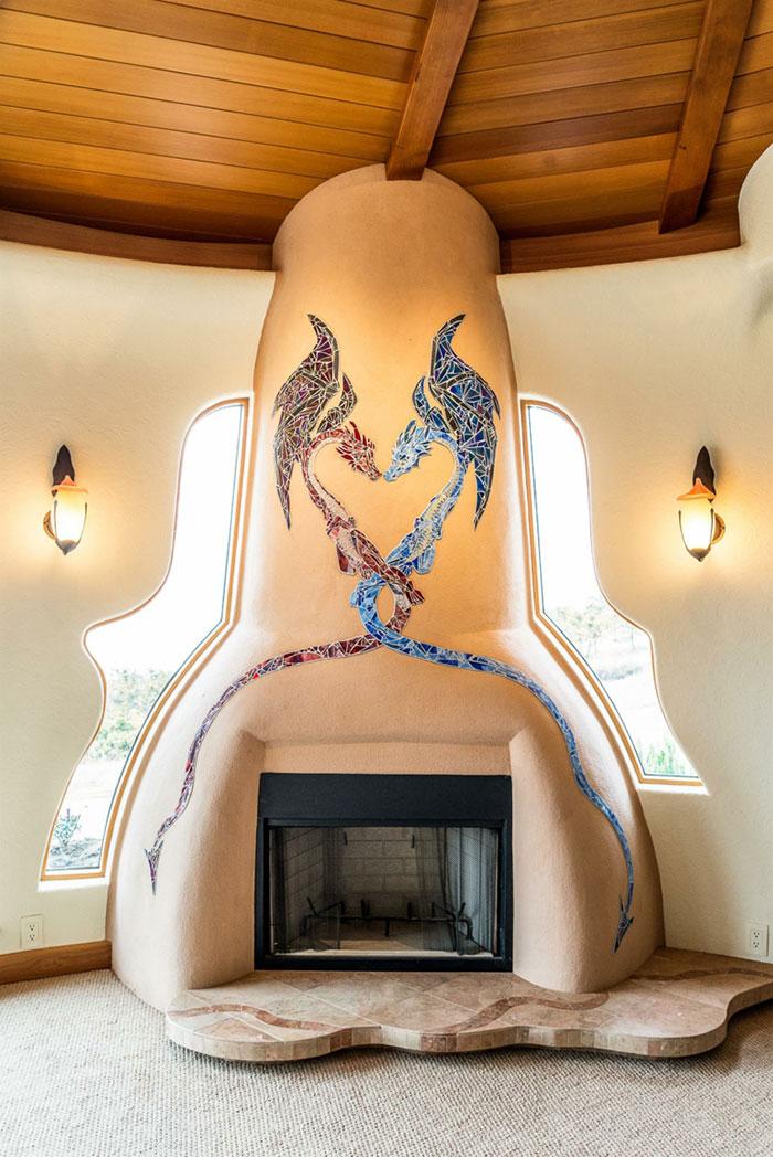 Этот дом выглядит как дворец волшебника. Фото