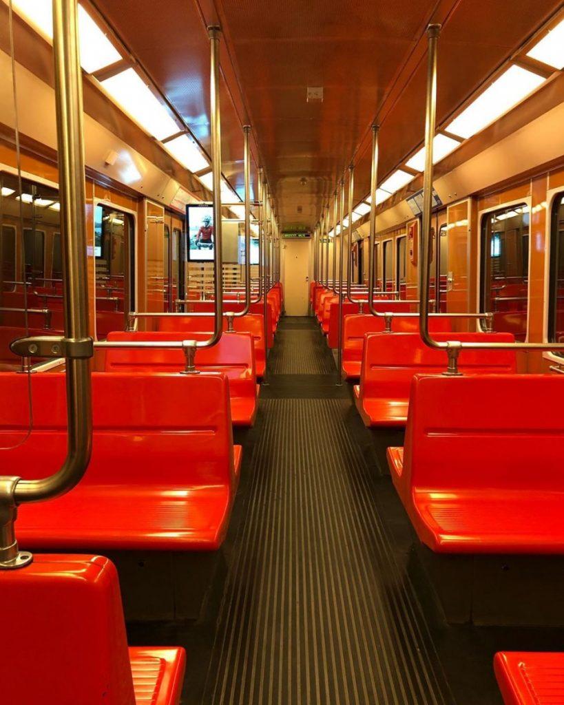 Вид вагонов метро в разных странах мира. ФОТО