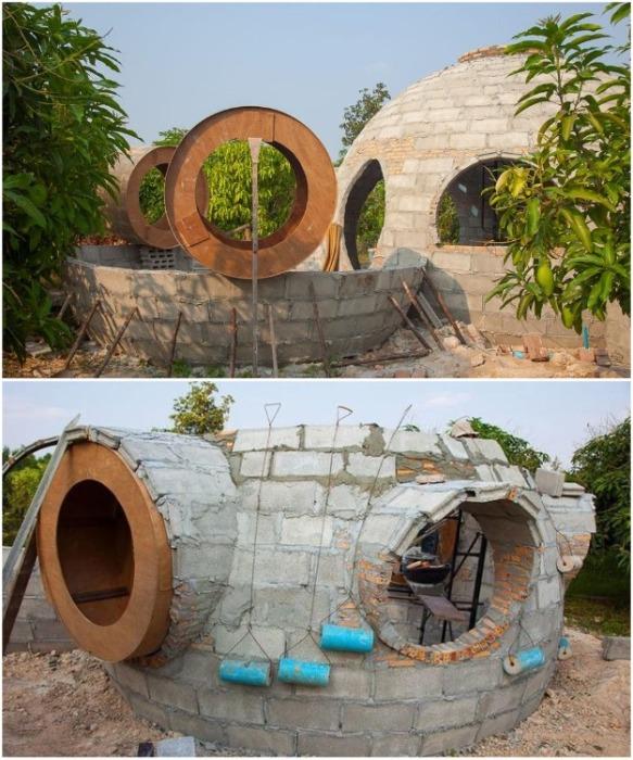 Три недели ушло на возведение всего купольного комплекса (Earthen Dome Home, Таиланд).   Фото: bigpicture.ru/ ©Steve Areen.