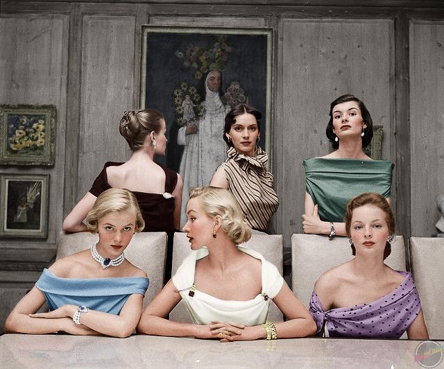Plunging Necklines in 1950s.