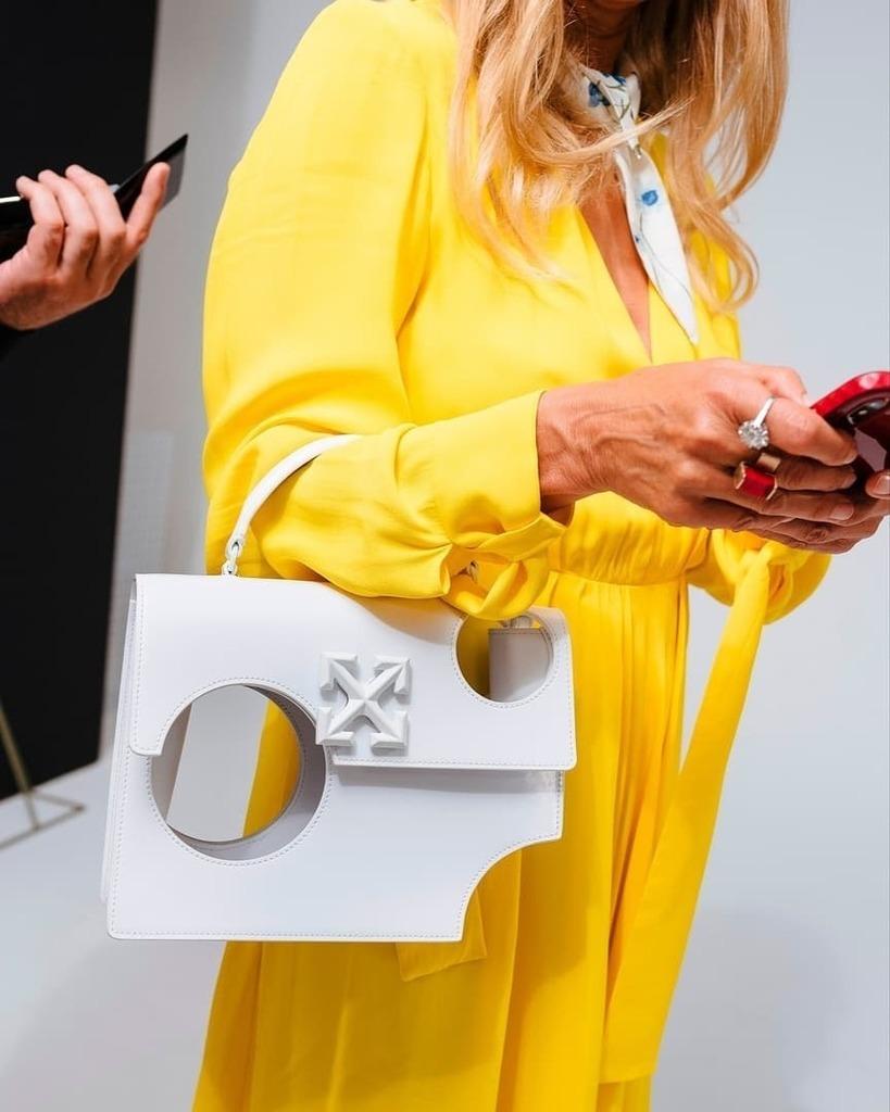 Новый тренд – сумка с дырками от Off-White