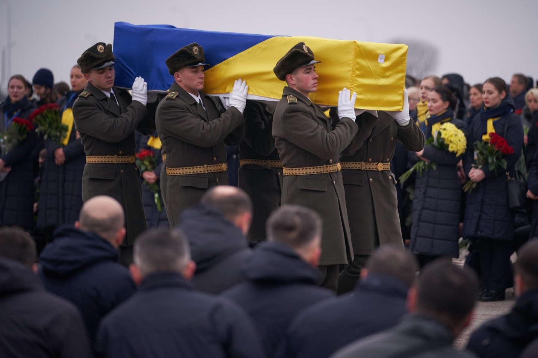 В Борисполе простились с погибшими в авиакатастрофе самолета МАУ над Ираном. ФОТО