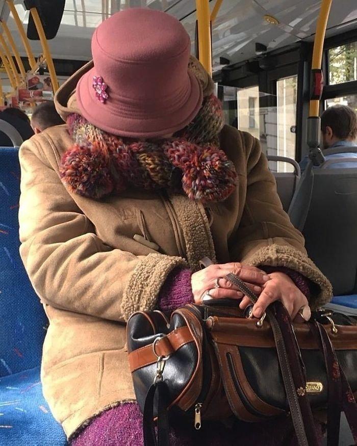И не такое увидишь: странные персонажи в троллейбусах