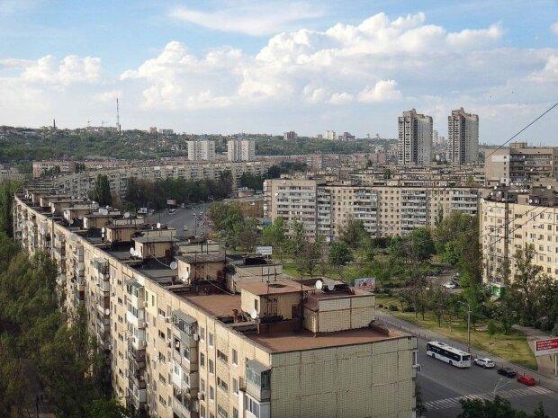 Как выглядит самый длинный дом в Украине. ФОТО