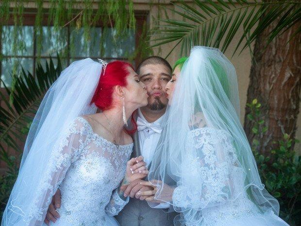 Один американец женился сразу на двух девушках