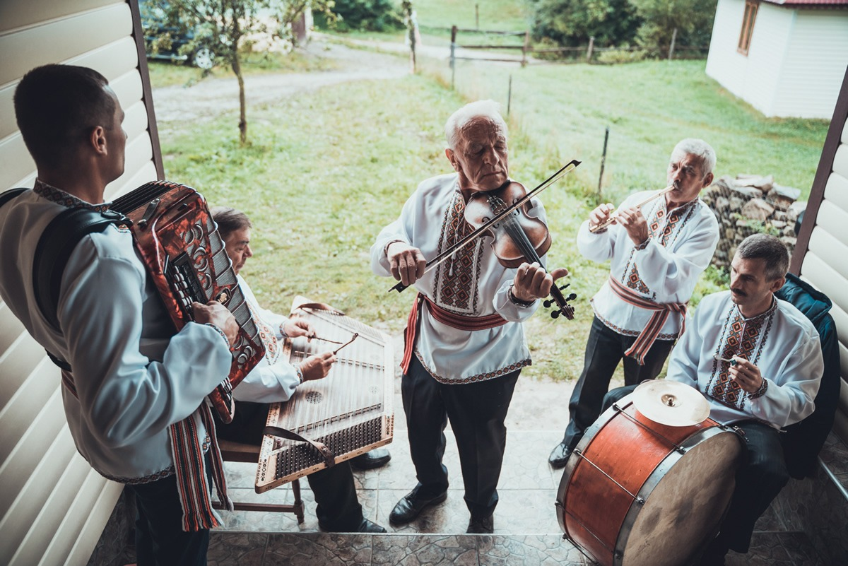 Украина глазами голландца: потрясающая серия фотографий о жизни гуцулов. ФОТО