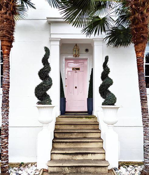 Instagram-аккаунт, посвящённый красивым входным дверям Лондона
