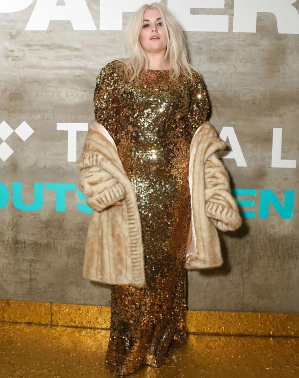 Дорогая безвкусица: странные наряды голливудских звезд (ФОТО)