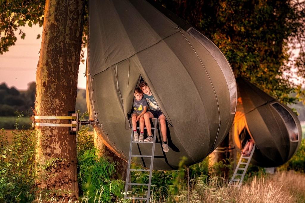 Интересный вариант отдыха: В Бельгии туристы могут пожить на деревьях. ФОТО
