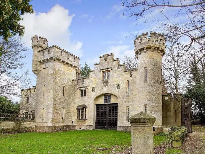 Сказочные замки, отдых в которых доступен многим. Фото