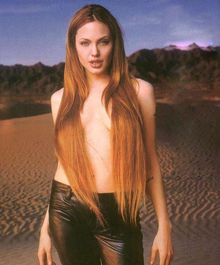 Редкие фотографии звёзд кино и музыки, сделанных в 90-е