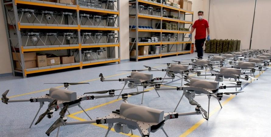 Боевые дроны впервый раз  выследили инапали налюдей без команды оператора